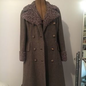 VTG 1960's Quality Bromleigh NY Tan Coat w/ Trim.